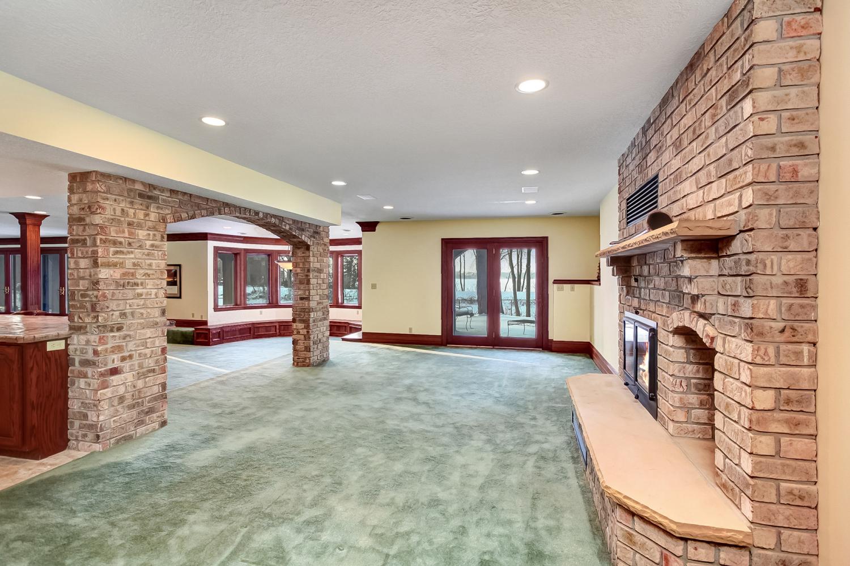 4800 Lodge Lane